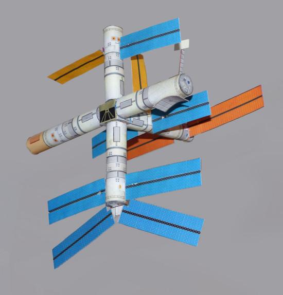 Stacja kosmiczna Mir skala 1/200