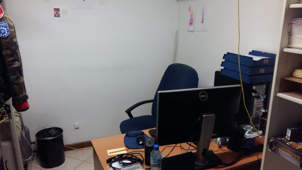 Ostatnich kilka lat spędziłem zatym biurkiem.