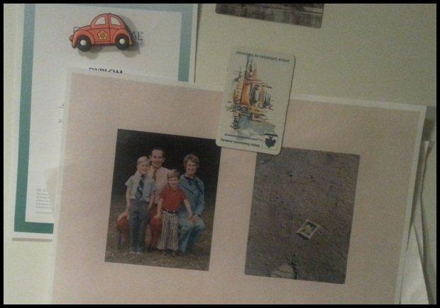 Rodzinne zdjęcie nalodówce. Rodzinne zdjęcie astronauty Charlesa - zostawił je naKsiężycu.