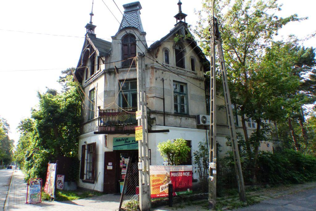 Zrujnowana willa na rogu Granicznej i Szpitalnej, Konstancin-Jeziorna